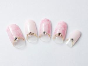 ¥11,403+税<br /> 大人気ピンク×ホワイトのタイダイ柄は、指先を華やかに見せてくれます♥